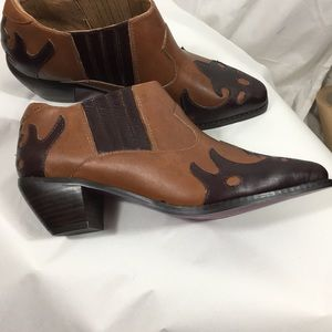 Twiggy London brown leather western style booties